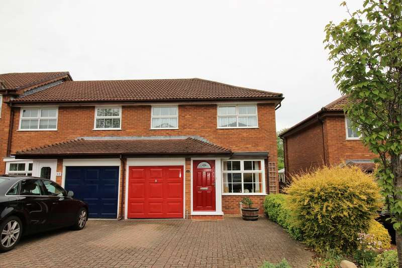 3 Bedrooms Semi Detached House for sale in Constantine Way, Hatch Warren, Basingstoke, RG22