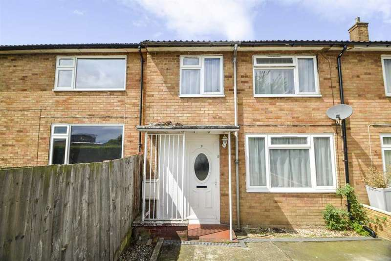3 Bedrooms Terraced House for sale in Doddsfield Road, Slough