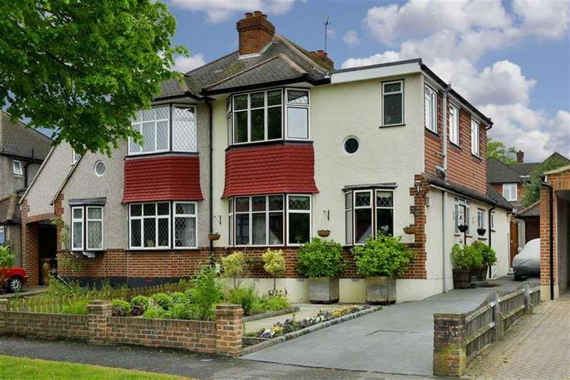 3 Bedrooms Semi Detached House for sale in Greenhayes Avenue, Banstead, Surrey