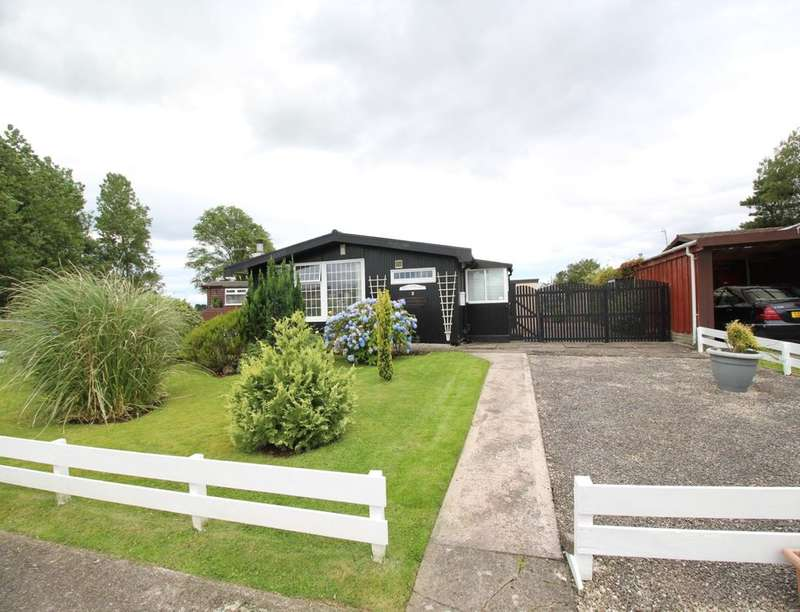 2 Bedrooms Detached Bungalow for sale in The Lido Village Barracks Bridge, Silloth, Wigton, CA7