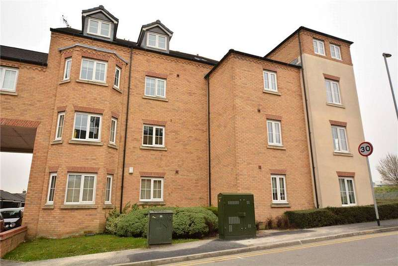2 Bedrooms Apartment Flat for sale in Broadlands Court, Pudsey, West Yorkshire