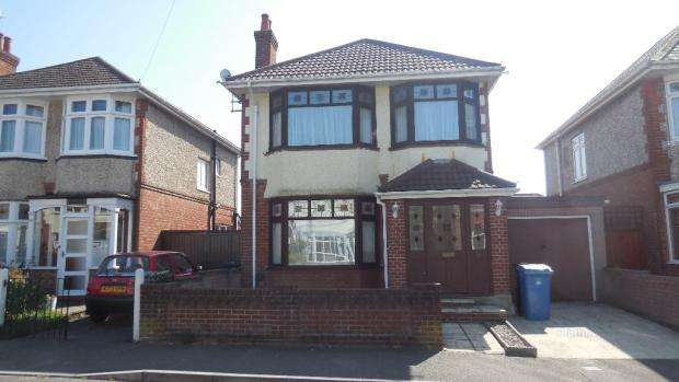 3 Bedrooms Detached House for sale in Poole BH12