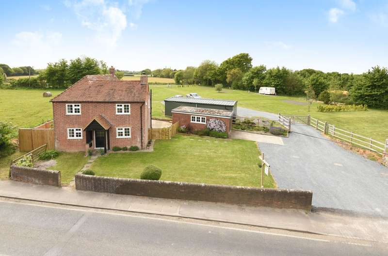 3 Bedrooms Detached House for sale in Selsey Road, Sidlesham, PO20