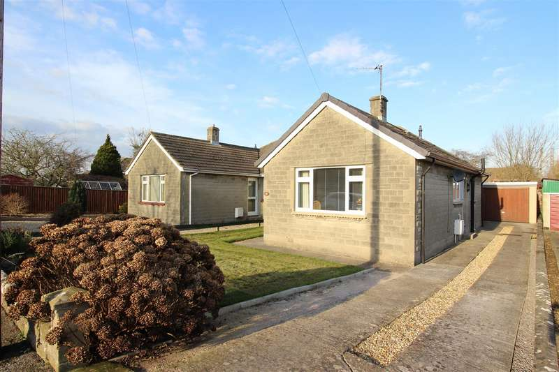 3 Bedrooms Bungalow for sale in The Tinings, Chippenham