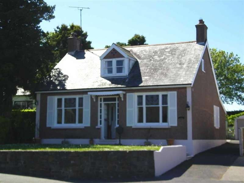 3 Bedrooms Detached House for sale in Steynton Road, Milford Haven