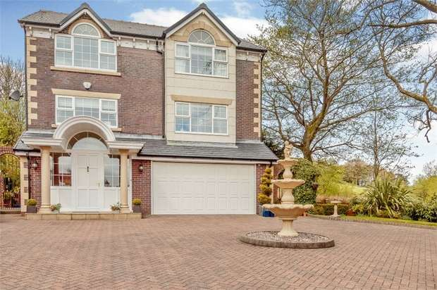 4 Bedrooms Detached House for sale in Woodlea Chase, Darwen, Lancashire