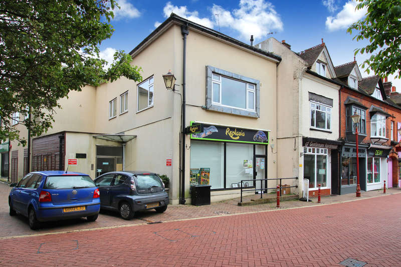 1 Bedroom Flat for sale in Park Place, Horsham
