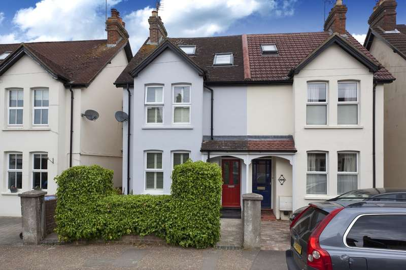 3 Bedrooms Semi Detached House for sale in Kempshott Road, Horsham