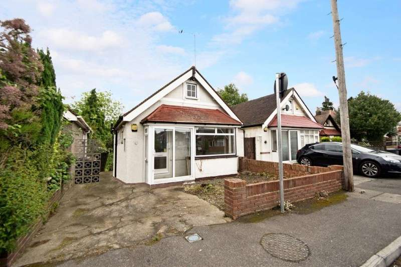 2 Bedrooms Detached Bungalow for sale in St Johns Road, Slough, SL2