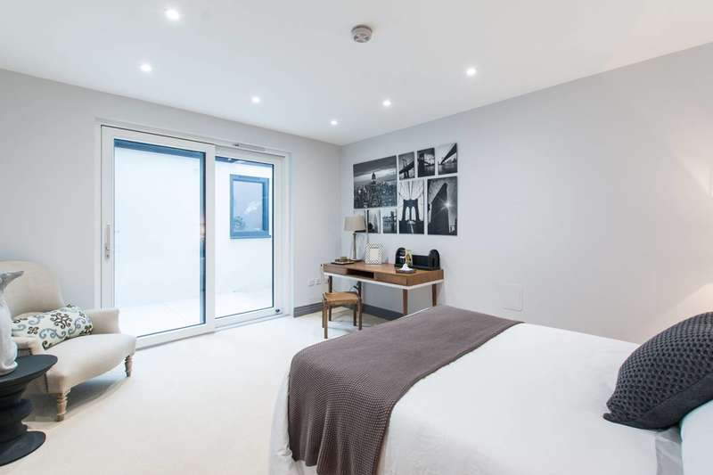 3 Bedrooms House for sale in Winders Road, Battersea, SW11