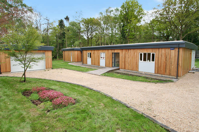 4 Bedrooms Detached House for sale in Woods Green, Wadhurst