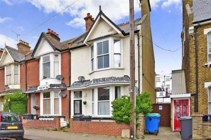 1 Bedroom Ground Flat for sale in Brunswick Square, Herne Bay, Kent