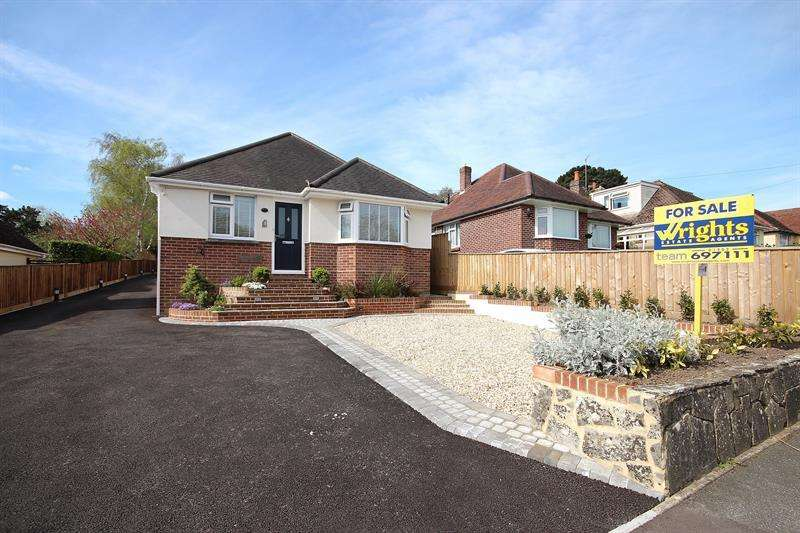 4 Bedrooms Detached Bungalow for sale in Abbotsbury Road, Broadstone