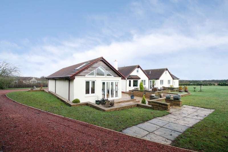 6 Bedrooms Detached House for sale in Hens Nest Road, East Whitburn, West Lothian, EH47 8RX