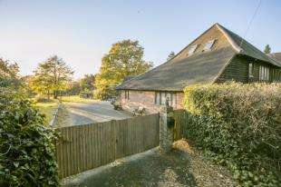 3 Bedrooms Barn Conversion Character Property for sale in Back Lane, Cross in Hand, Heathfield, East Sussex