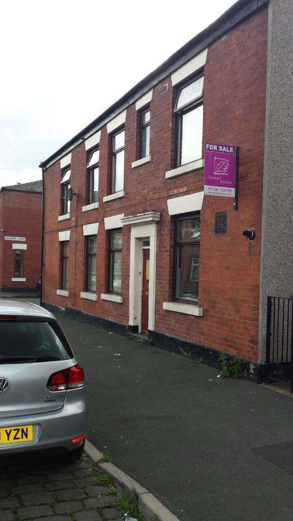3 Bedrooms Detached House for sale in Clement Royds Street, Rochdale, Lancashire, OL12 6SG