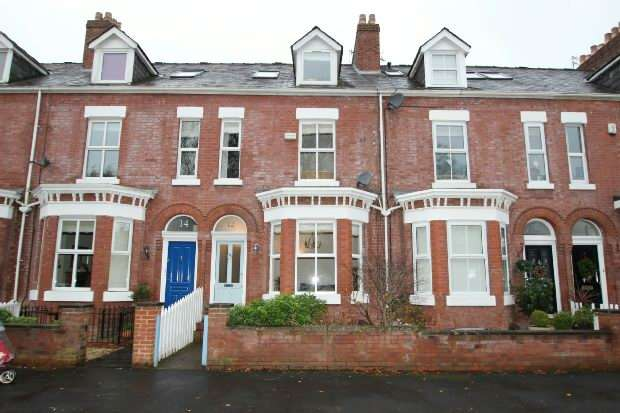 4 Bedrooms Terraced House for sale in Charter Road, Altrincham