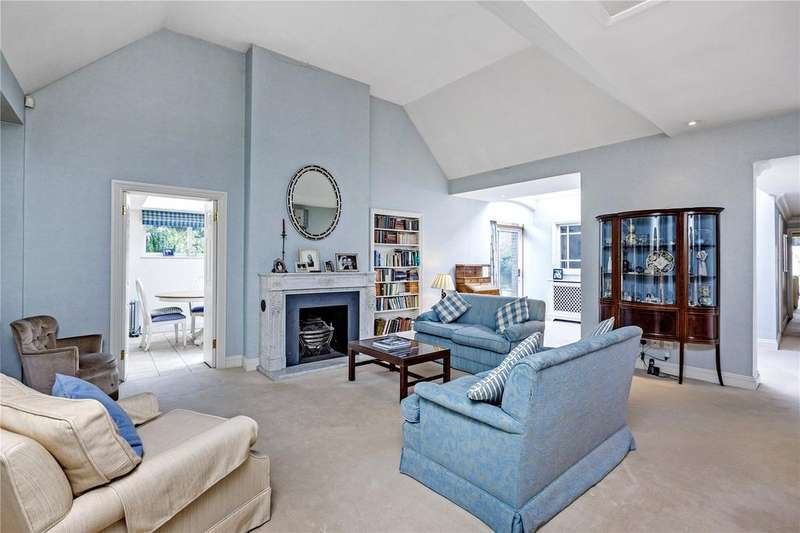 4 Bedrooms Detached Bungalow for sale in River Lane, Richmond, Surrey, TW10