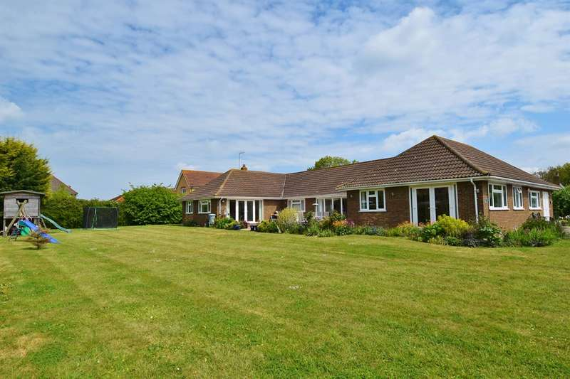 5 Bedrooms Detached Bungalow for sale in Hoopers Lane, Herne Bay