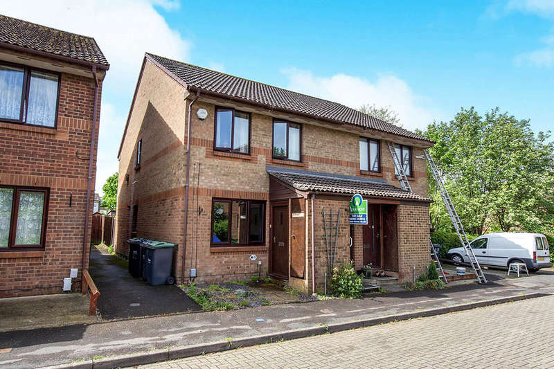 1 Bedroom Flat for sale in Downs Close, Waterlooville, PO7