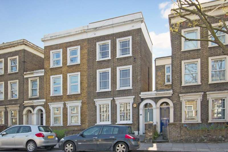 3 Bedrooms Terraced House for sale in Amersham Road, London, SE14