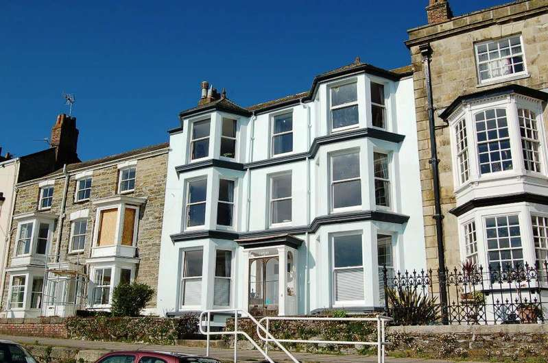 5 Bedrooms Terraced House for sale in Dunstanville Terrace, Greenbank, Falmouth