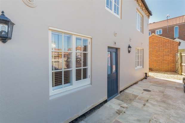 1 Bedroom Flat for sale in Apartment 1, 71 Staithe Street, Wells-next-the-Sea