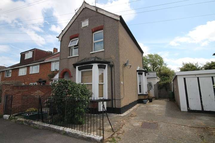 2 Bedrooms Maisonette Flat for sale in Fruen Road, Feltham, TW14