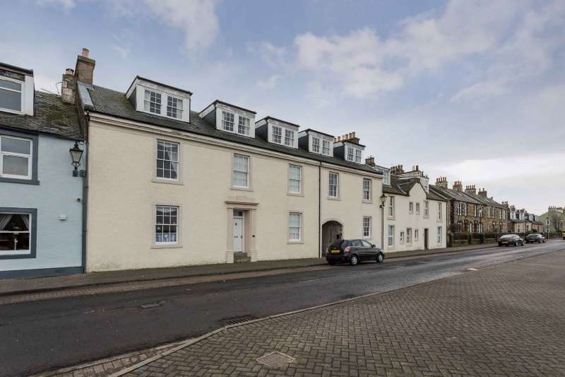 3 Bedrooms Flat for sale in Harbour Street, Irvine, North Ayrshire, KA12 8PY