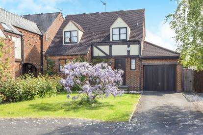 3 Bedrooms Detached House for sale in Furlong Lane, Bishops Cleeve, Cheltenham, Gloucestershire