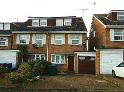 4 Bedrooms House for sale in Bishops Close, Barnet