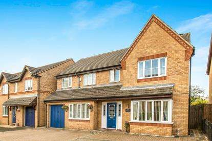 5 Bedrooms Detached House for sale in Tay Gardens, Bicester, Oxfordshire, Oxon