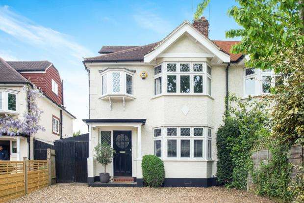 4 Bedrooms Semi Detached House for sale in Esher, Surrey, .