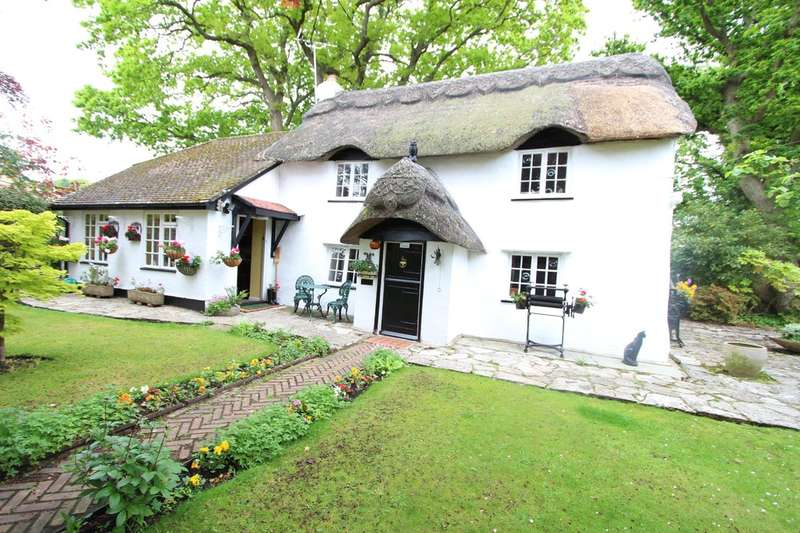 3 Bedrooms Cottage House for sale in HIGHCLIFFE ON SEA