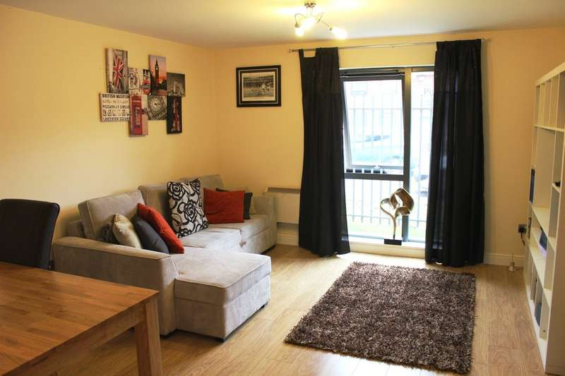 2 Bedrooms Flat for sale in Quay 5, Ordsall Lane, Salford
