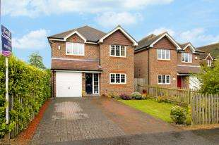 4 Bedrooms Detached House for sale in Bowers Place, Crawley Down, West Sussex