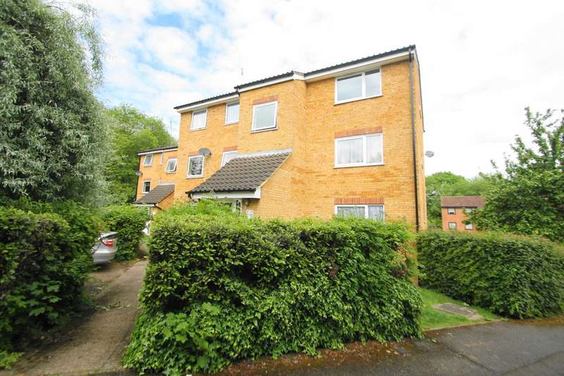 1 Bedroom Flat for sale in Valley Green, Woodhall Farm, Hemel Hempstead