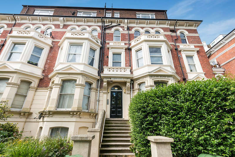 2 Bedrooms Flat for sale in Charles Road, St. Leonards-On-Sea, TN38