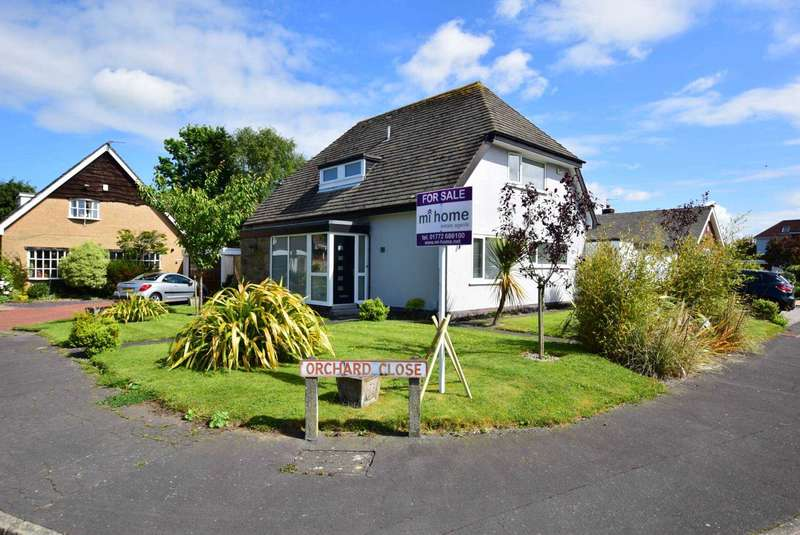 4 Bedrooms Detached House for sale in Orchard Close, Wrea Green