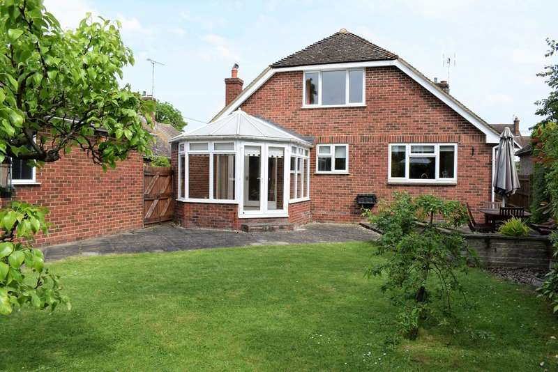 4 Bedrooms Detached House for sale in Station Road, STAPLEHURST