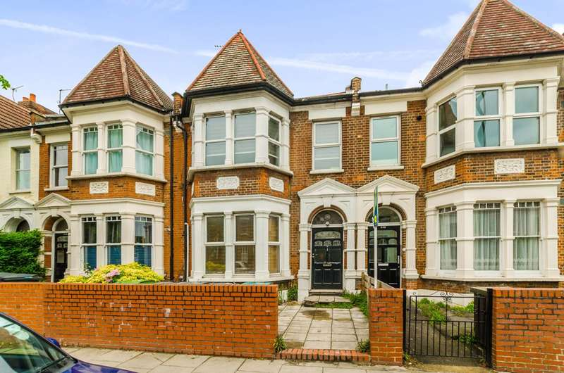 3 Bedrooms Flat for sale in Ferme Park Road, Crouch End, N8