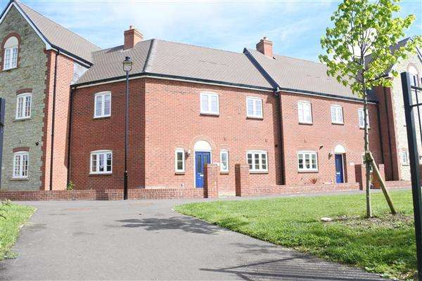 3 Bedrooms Terraced House for sale in Bramble Patch, Shaftesbury