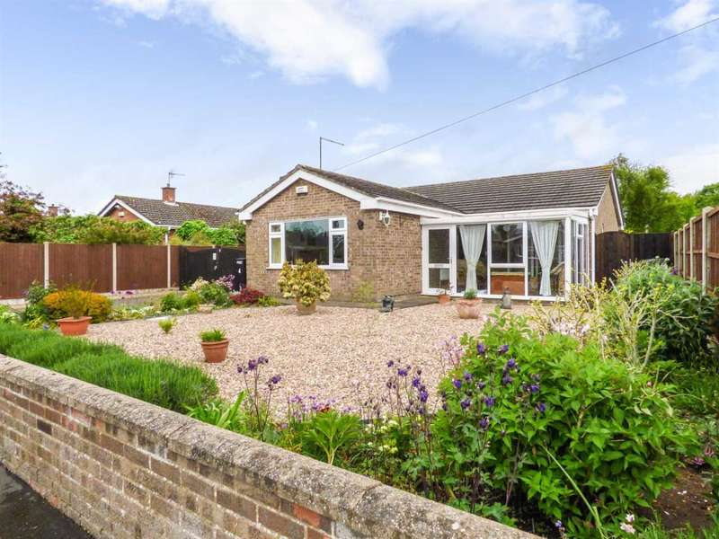3 Bedrooms Bungalow for sale in Chestnut Close, Horncastle, Lincolnshire