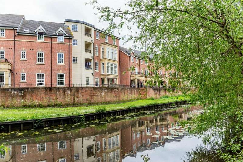 2 Bedrooms Flat for sale in Fossview House, Gladstone Street, York