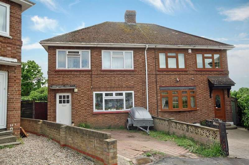 3 Bedrooms Semi Detached House for sale in King George Road, Ware