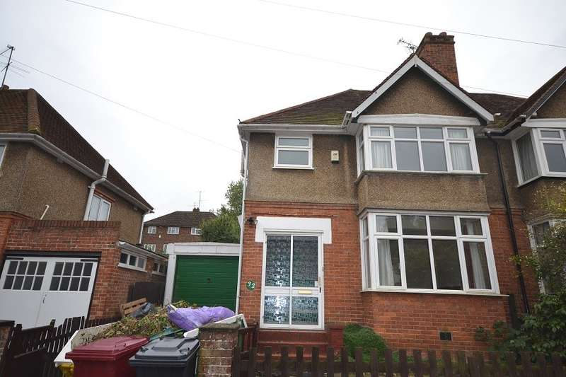 3 Bedrooms Semi Detached House for rent in Reading