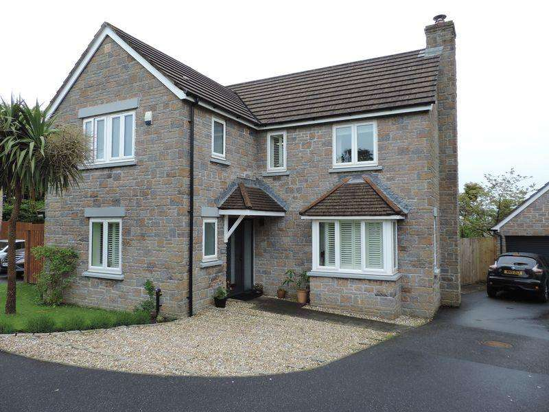 4 Bedrooms Detached House for sale in College Way, Truro