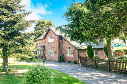 3 Bedrooms House for sale in Wall Hill, Congleton, Cheshire