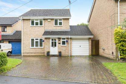 3 Bedrooms Detached House for sale in Curtis Hayward Drive, Quedgeley, Gloucester, Gloucestershire