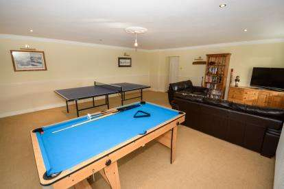4 Bedrooms Bungalow for sale in Red Hall Lane, Bracebridge Heath, Lincoln, Lincolnshire
